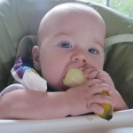 Getting baby (and parents!) ready for solids – a case for baby led weaning